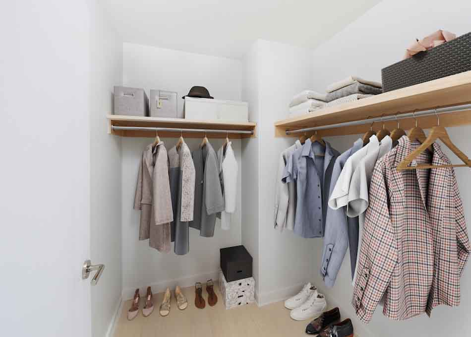 Waterside_18F_Closet_staged_corrected950px
